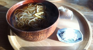 蕎麦 文治郎の温蕎麦とこんにゃく寿司