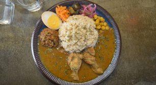 咖喱時々珈琲ナミヒラ 2種の咖喱(チキンとちょこっとキーマ)